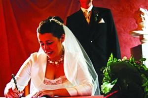 WeddingContractBusiness_CC_Benjaminrennicke