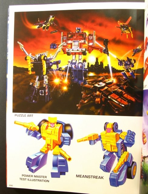 Livres Transformers — Vous Êtes le Héros, The Ark Vol 1-2 (Dessins), Vault (Archives d'Hasbro), Legacy (Arts d'Emballages), Guide (Jouets), etc - Page 2 Transformers-package-art-book-23