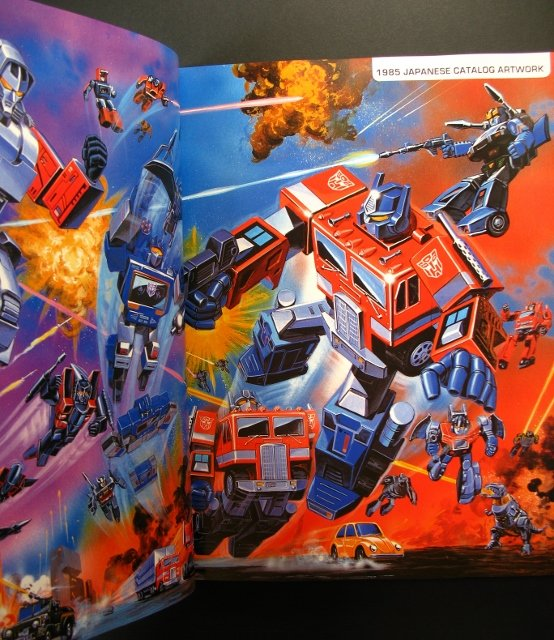 Livres Transformers — Vous Êtes le Héros, The Ark Vol 1-2 (Dessins), Vault (Archives d'Hasbro), Legacy (Arts d'Emballages), Guide (Jouets), etc - Page 2 Transformers-package-art-book-5