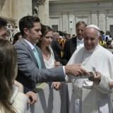 biblezon-catholic-tablet-pope-francis-tgf.jpg