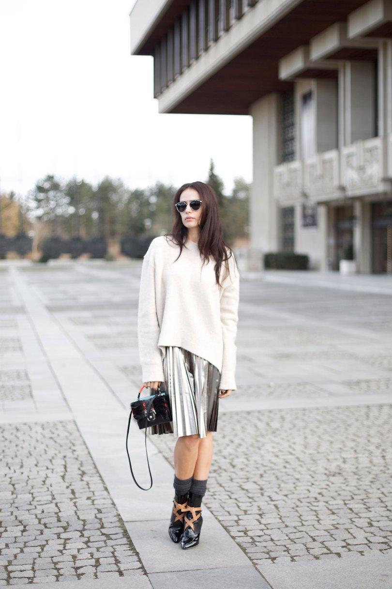 The_Garage_Starlets_Katia_Peneva_Popov_Zara_H&M_Paula_Cademartori_Christian_Dior_Louis_Vuitton_Streetstyle_01