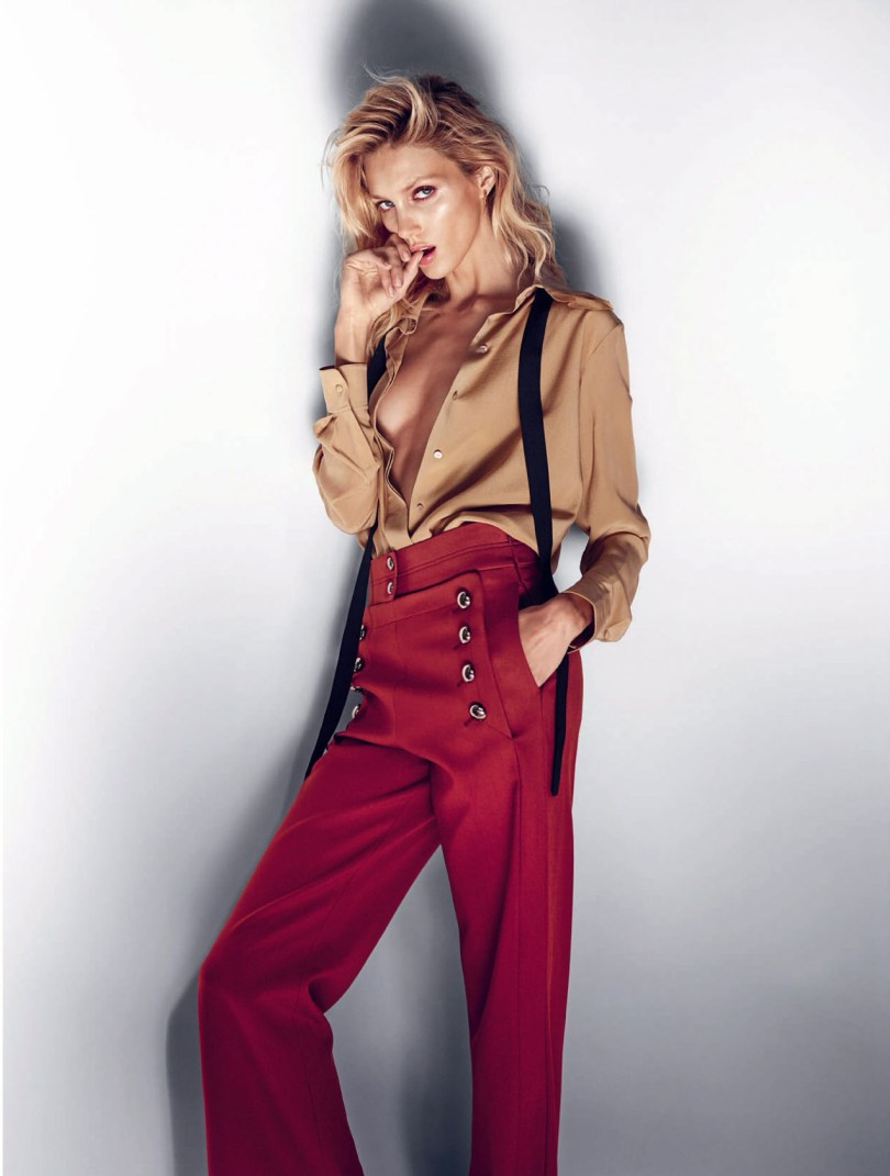 The_Garage_Starlets_Anja_Rubik-by_Marcin_Tyszka_ELLE_UK_July-2015_01