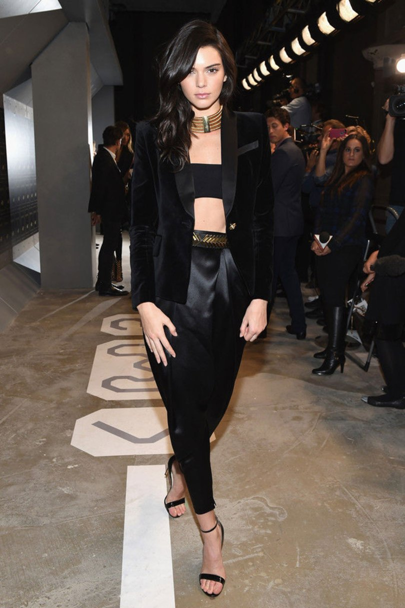 The_Garage_Starlets_Balmain_X_H&M_Giveaway_Blazer_Kendall_Jenner_Olivier_Rousteing_Gigi_Hadid_03
