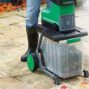 The garden tool shed 2500w garden shredder at aldi for Aldi gardening tools 2015