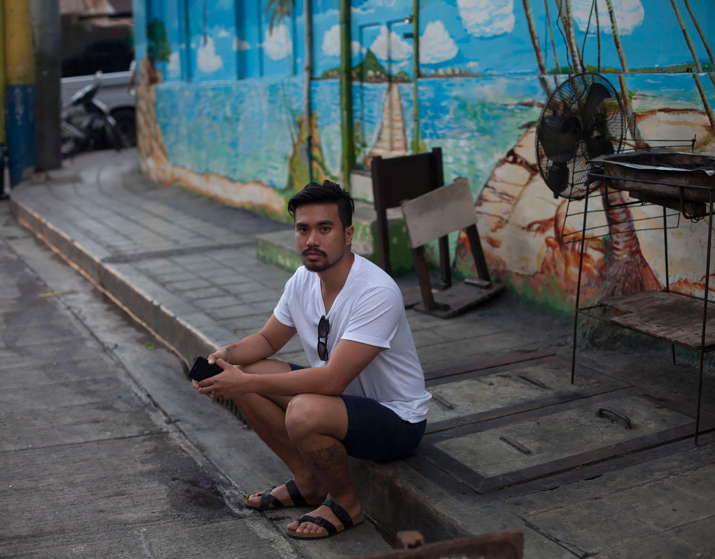 manila single gay men Manila gay personals at gaydatingcom meet single gay men, single gay guys online through our online personals and personal ads.