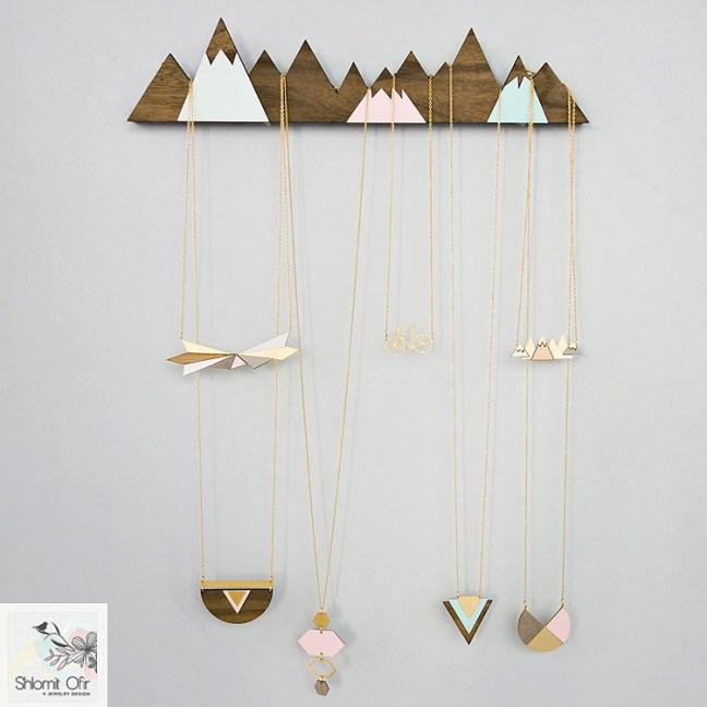 shlomitofir_mountains_jewelry_display