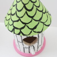 Dollarstore Craft : Decorating Birdhouses