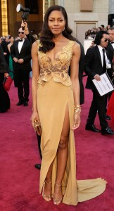 Eco-Warriors-At-The-Oscars-2013--Helen-Hunt-In-H_M-And-Naomie-Harris-In-Michael-Badger-7
