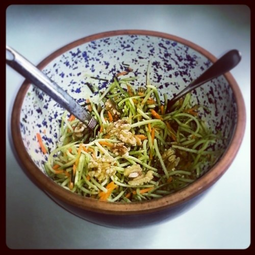 #meatlessmondsay broccoli slaw