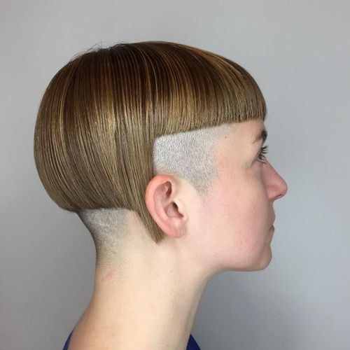 Top Awesome Women Undercut Hairstyle Short Hair