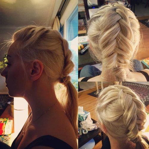 Blonde ponytail hairstyle