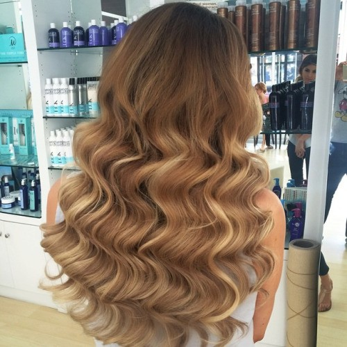 Dimensional honey hair and the blush blonde highlights