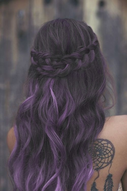 Brunette to purple balayage hairdo