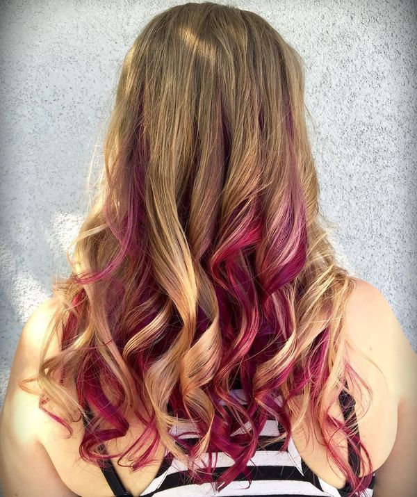 The waved ringlets in maroon balayage