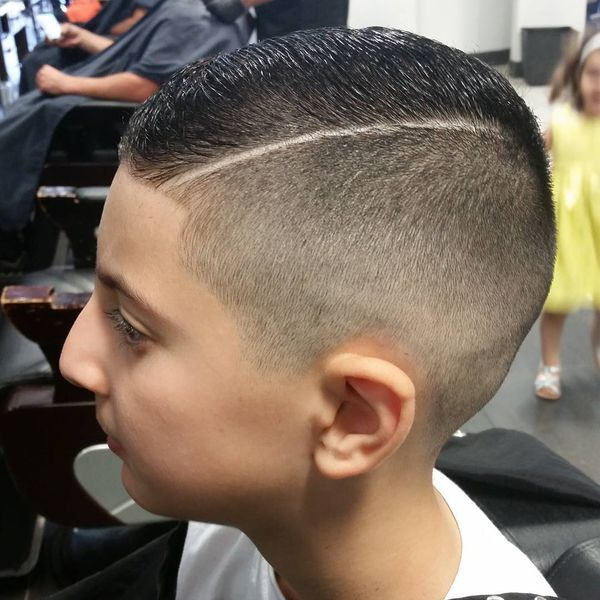 Precise Right Side-Parted Hairstyle