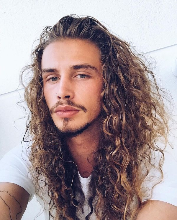 54 Long Curly Hair with Fantastic Texture
