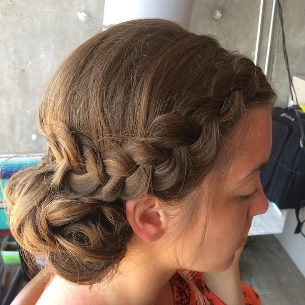 Nice Hairstyle for Office Weekdays