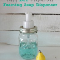 Easy DIY Mason Jar Foaming Soap Dispenser {& DIY foaming soap}