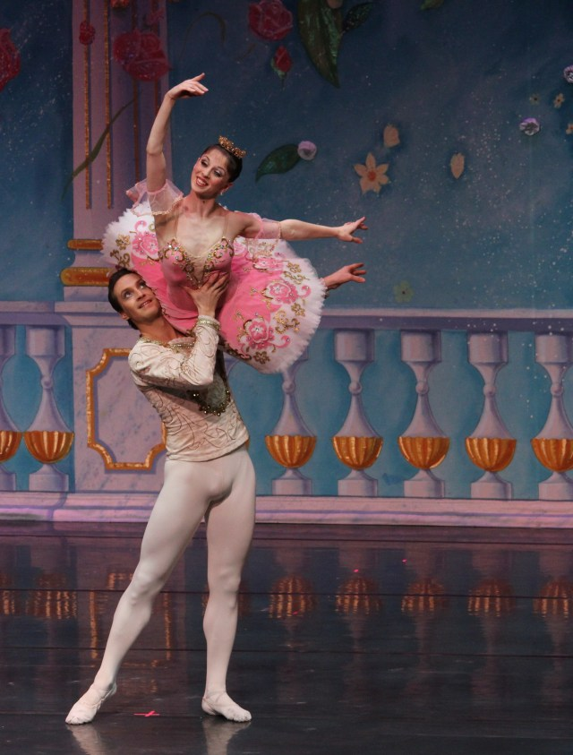 Ekaterina Bortiakova as Masha and Mikhail Mikhaliov as the Nutcracker Prince- photo courtesy of Moscow Ballet