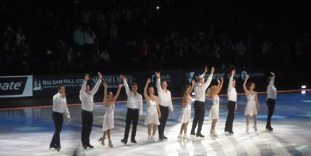 The cast of PANDORA Holiday Celebrations on Ice