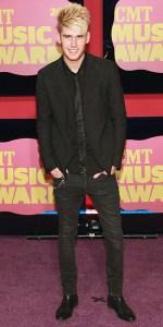 colton dixon 2012 cmt awards