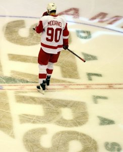 Like Modano, Weiss will switch from #9 to #90 in Detroit.