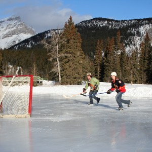Pond-hockey-banff-300x300