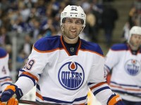No one ever expected a Tampa stopover for Sam Gagner then Arizona did they? (Tom Szczerbowski-US PRESSWIRE)