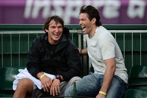 Alex Ovechkin (left) and Dallas Stars right wing Jaromir Jagr