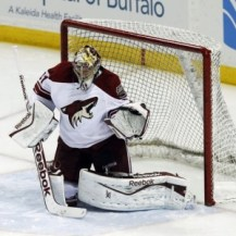 Goaltender Mike Smith