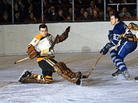 Boston goalie Ed Johnston played the full game despite breaking his hand in the first period.