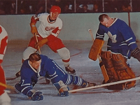 Leafs-Red Wings action at Maple Leaf Gardnes