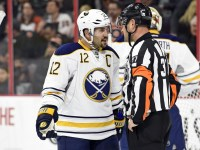 It's been a frustrating season for Brian Gionta and his Sabres. (Eric Hartline-USA TODAY Sports)
