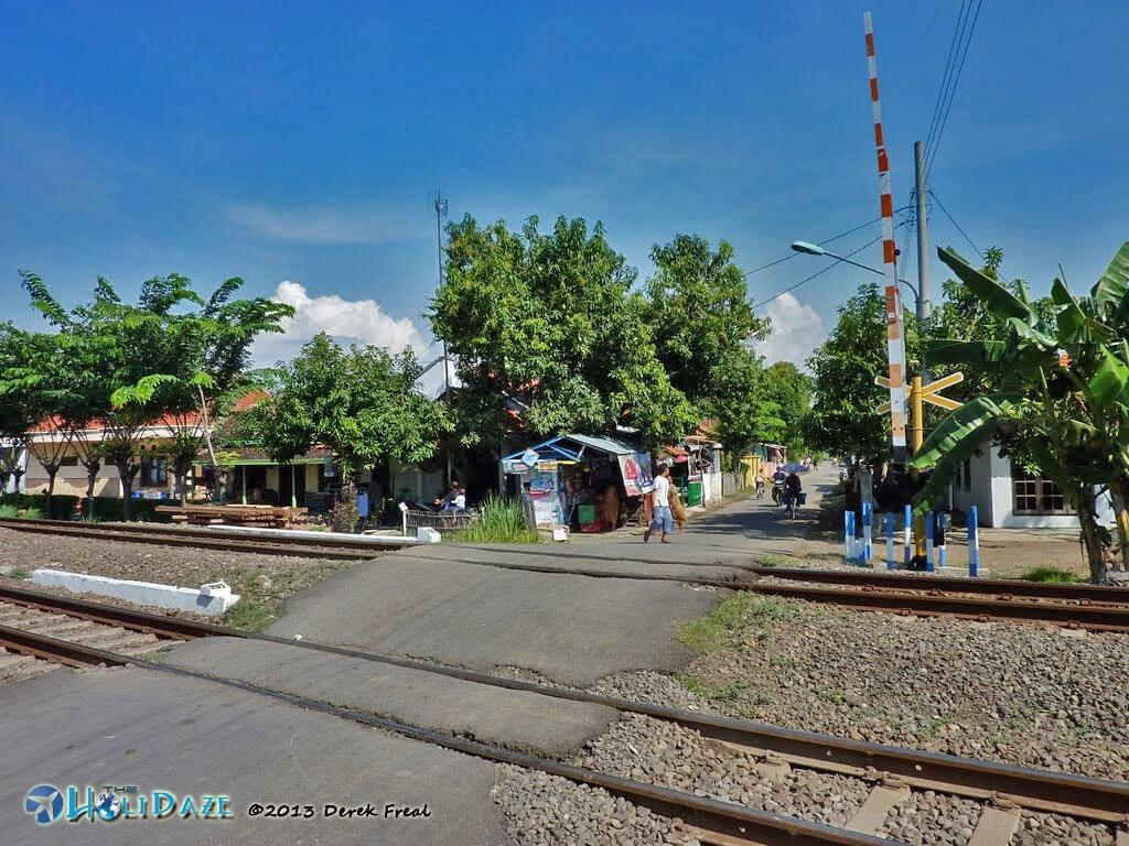 Indonesia By Motorcycle: Lots of railroad crossings on the island of Java