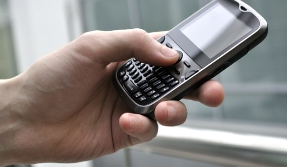 mobile-smartphone-in-hand_610