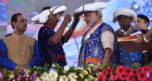 0-45500000_1474104698_prime-minister-narendra-modi-unveils-schemes-for-tribal-development-in-limkheda-gujarat
