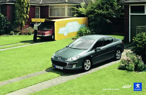 Peugeot 407 contrasted with toy car in TV Ad