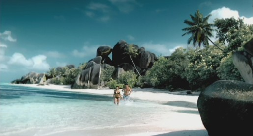 Couple walk on the beach in Hahn Super Dry TV ad