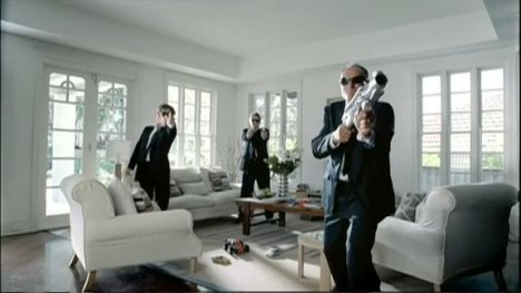 Men in Black in Bigpond Movies ad