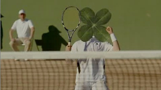Tennis player with clover head in Norsk Tipping television commercial