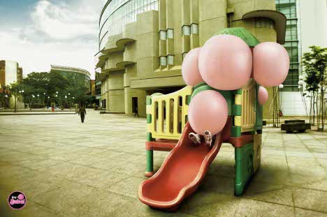 Big Babol Bubble in Playground