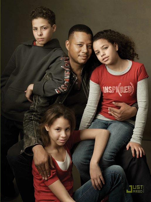 Gap Do The Red Thing - Terence Howard and family (red)