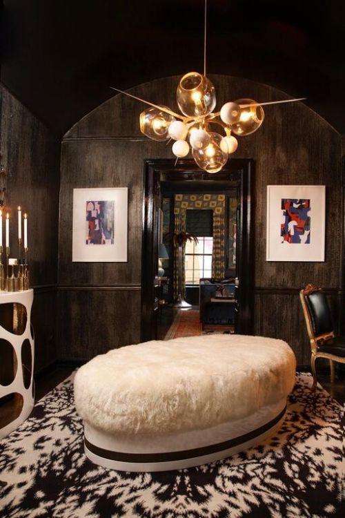 Lady's Lounge