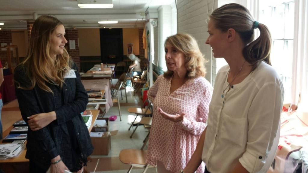 Llana Jane and Dejah talking to Nancy Miller