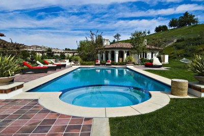 justin biebers house 2012 swimming pool Pictures of Justin Biebers new house in Calabasas April 2012 2011
