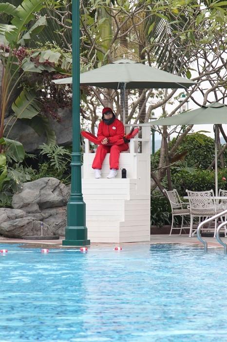 Lifeguard Dressed for Cold at Hong Kong Disneyland Hotel