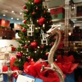 Christmas trees and Chinese dragons – Christmas in Vancouver. Photo by Anne-Laurence Godefroy