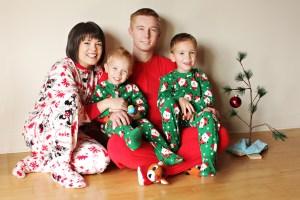 NessGossFamily_Christmas