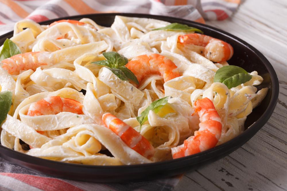 A plate of Shrimp Fettuccini Alfredo
