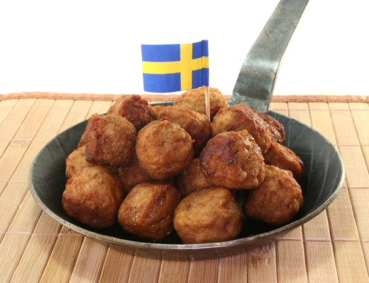 A pan with Swedish meatballs
